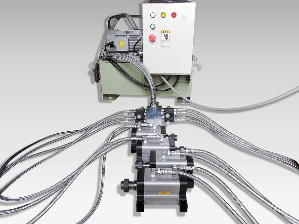 油圧クランプシステム